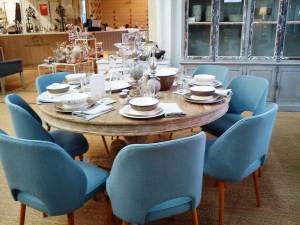 magasin d 39 usine c t table table co bordeaux. Black Bedroom Furniture Sets. Home Design Ideas
